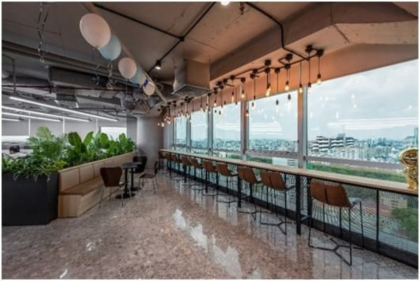 thiết kế không gian làm việc xanh thân thiện - Crystal Design TPL