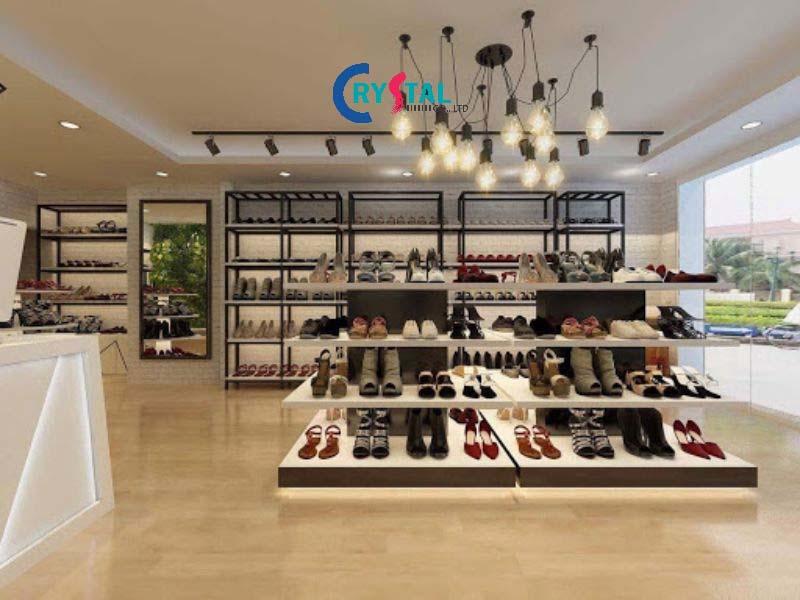 đèn chiếu sáng và trang trí không thể thiếu trong thiết kế showroom - Crystal Design TPL