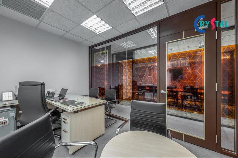 không gian làm việc của văn phòng - Crystal Design TPL
