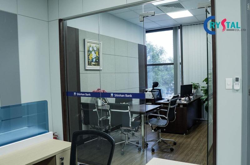 không gian làm việc tại văn phòng - Crystal Design TPL