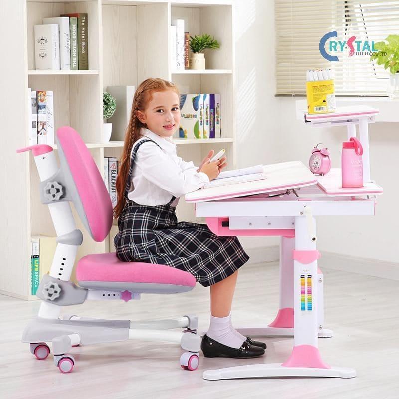 Bàn ghế học dành cho các bé phải phù hợp với cơ thể