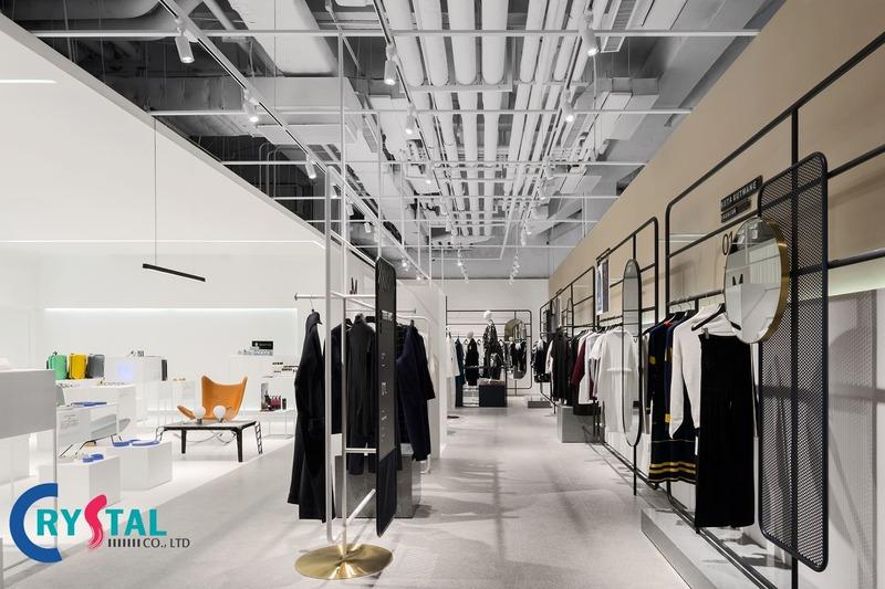 thi công shop thời trang - Crystal Design TPL