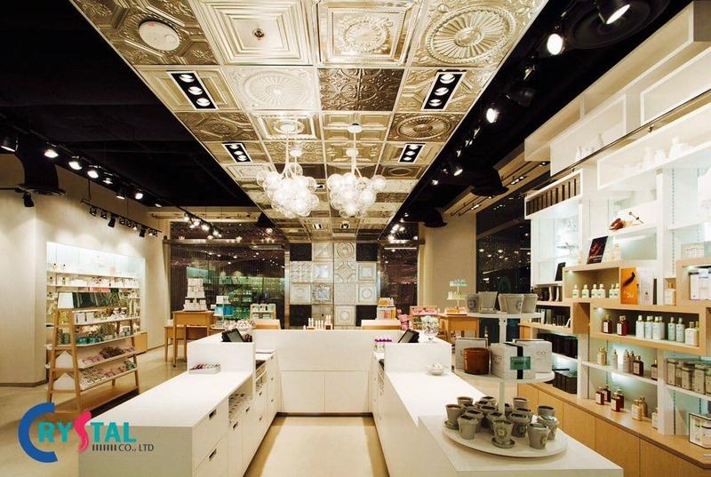 thiết kế cửa hàng hút khách - Crystal Design TPL