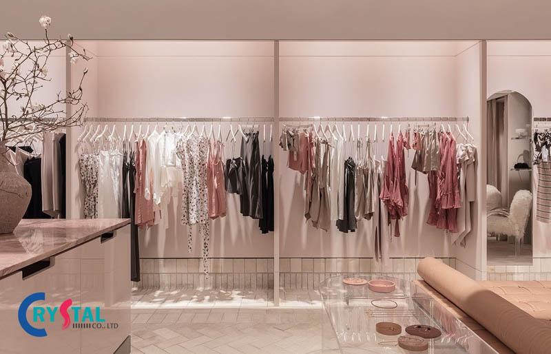 thiết kế nội thất shop thời trang thu hút - Crystal Design TPL