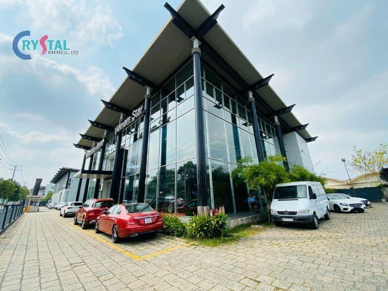 thiết kế showroom xe hơi - Crystal Design TPL