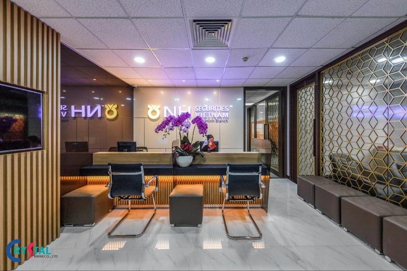 thiết kế thi công nội thất văn phòng cao cấp - Crystal Design TPL