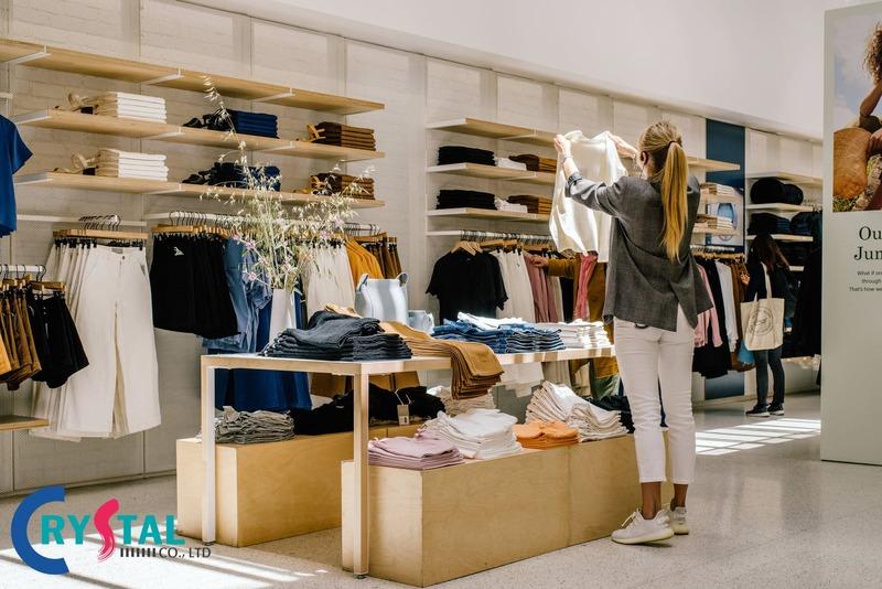 thiết kế thi công shop thời trang - Crystal Design TPL