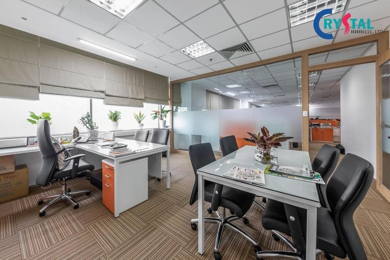 thiết kế thi công văn phòng bất động sản - Crystal Design TPL