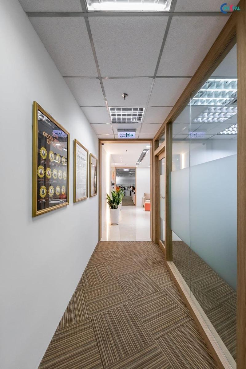 thiết kế thi công văn phòng phong cách công nghiệp - Crystal Design TPL