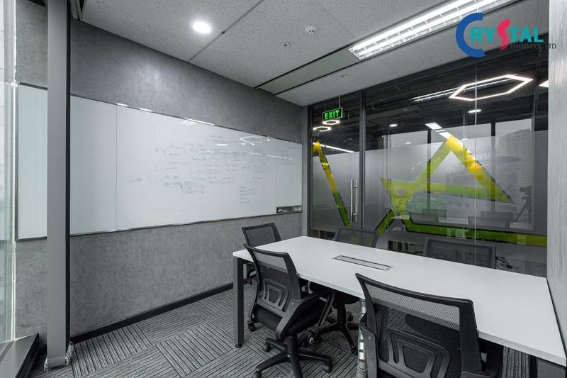 thiết kế văn phòng bất động sản - Crystal Design TPL