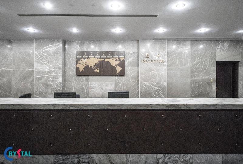 các mẫu thiết kế quầy lễ tân văn phòng