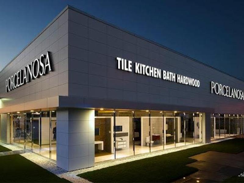 chi phí thiết kế nội thất showroom - Crystal Design TPL