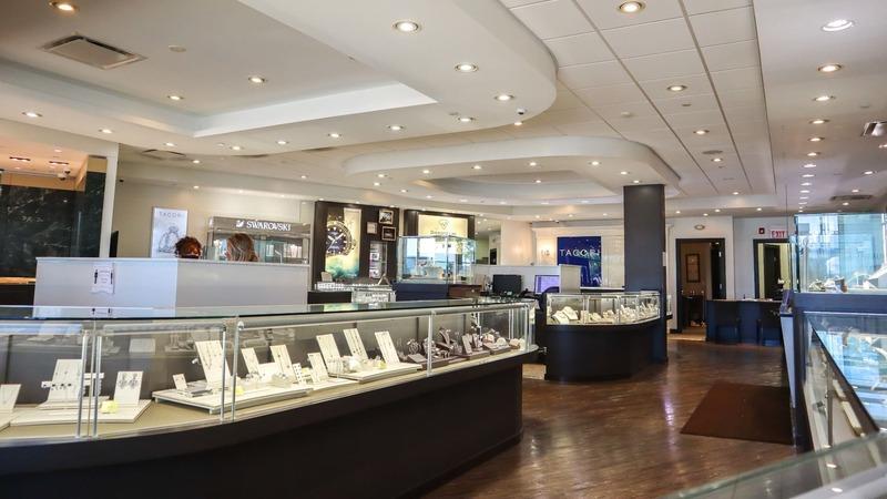 lợi ích của việc thiết kế cửa hàng trang sức - Crystal Design TPL