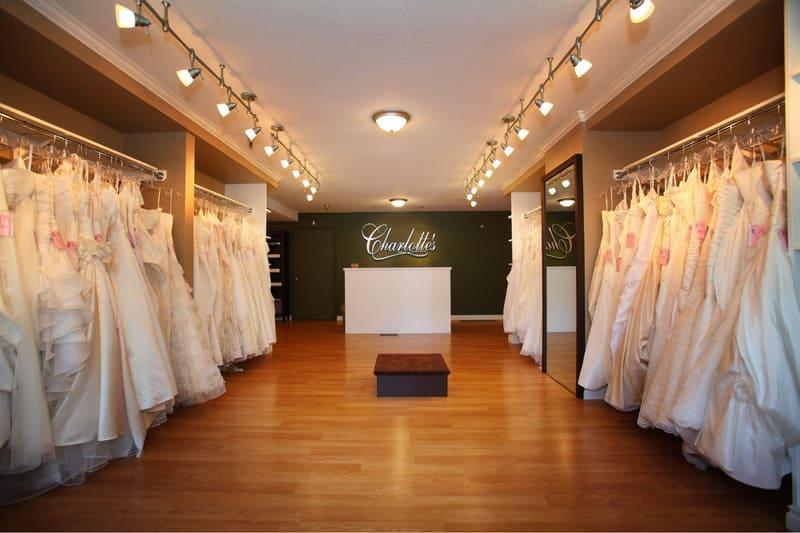 mẫu showroom áo cưới đẹp