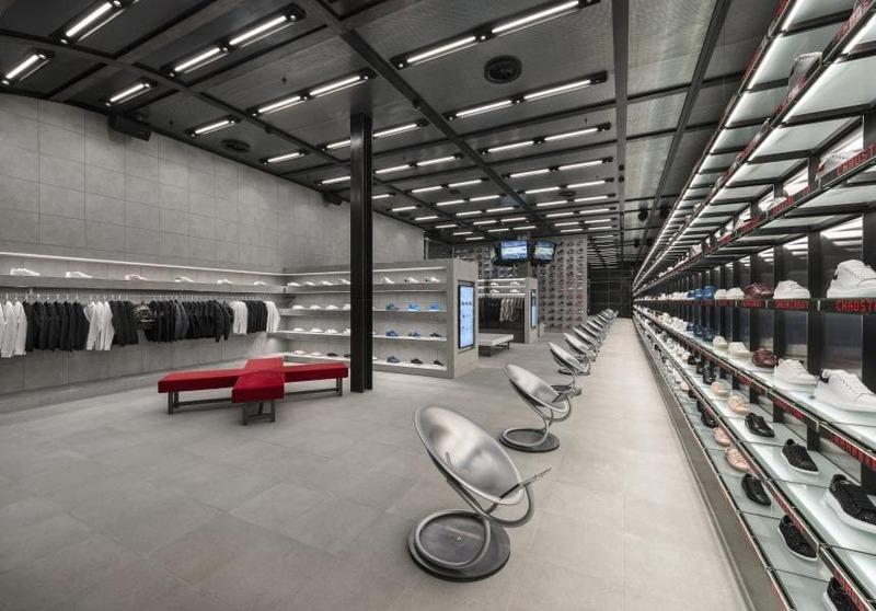 mẫu thiết kế cửa hàng bán giày dép - Crystal Design TPL