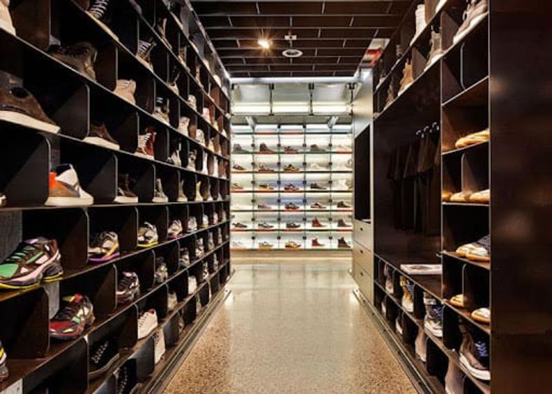 mẫu thiết kế cửa hàng giày dép thời trang độc đáo - Crystal Design TPL
