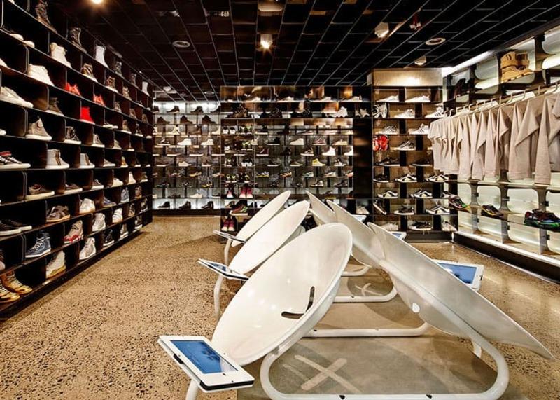 mẫu thiết kế cửa hàng giày dép thời trang thu hút - Crystal Design TPL