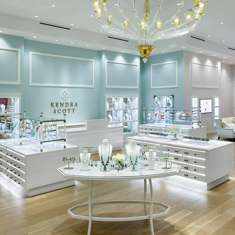 mẫu thiết kế cửa hàng trang sức nhỏ - Crystal Design TPL
