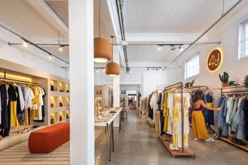 mẫu thiết kế nội thất shop quần áo trẻ em - Crystal Design TPL