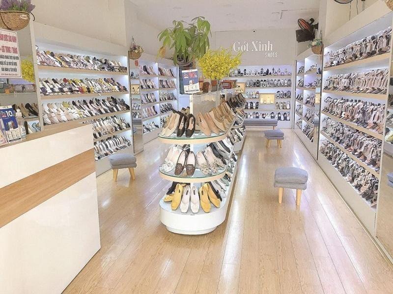 mẫu thiết kế trang trí cửa hàng giày dép - Crystal Design TPL