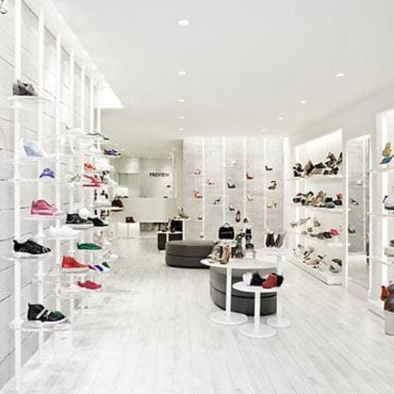 mẫu thiết kế trưng bày giày dép - Crystal Design TPL