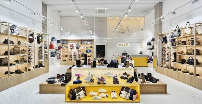 mẫu trang trí cửa hàng giày dép - Crystal Design TPL
