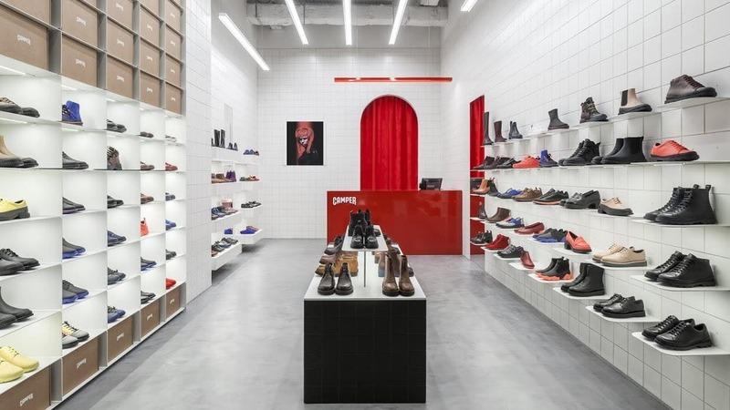 những mẫu thiết kế shop giày dép đẹp - Crystal Design TPL