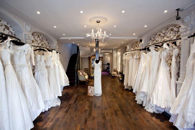 nội thất showroom áo cưới
