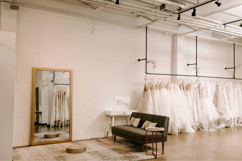 phong cách thiết kế nội thất showroom áo cưới