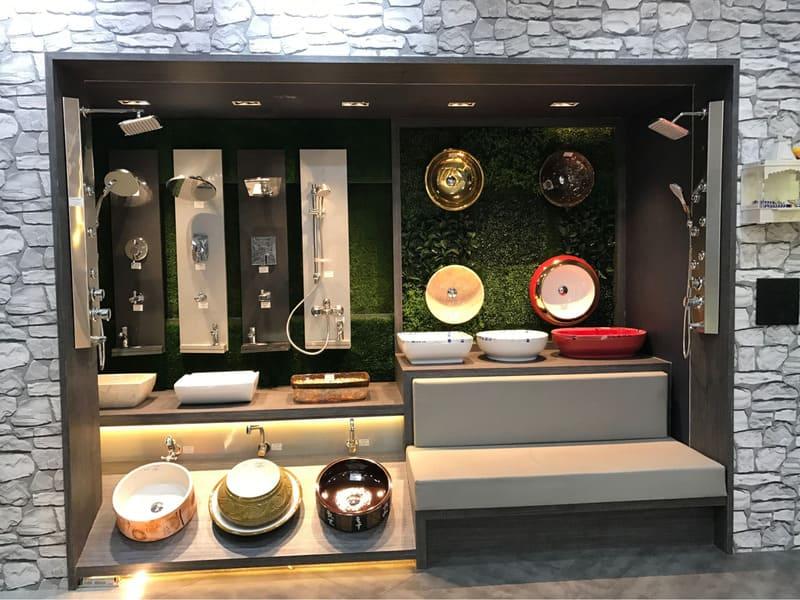 showroom gạch thiết bị vệ sinh - Crystal Design TPL