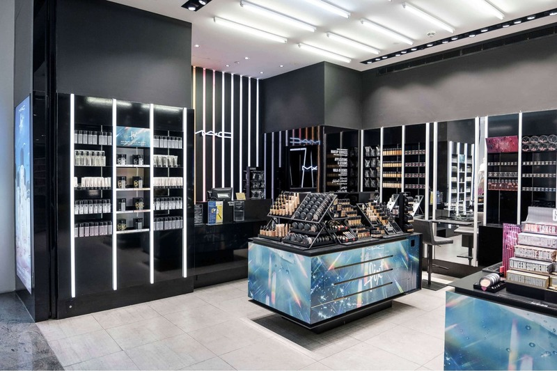 showroom mỹ phẩm - Crystal Design TPL