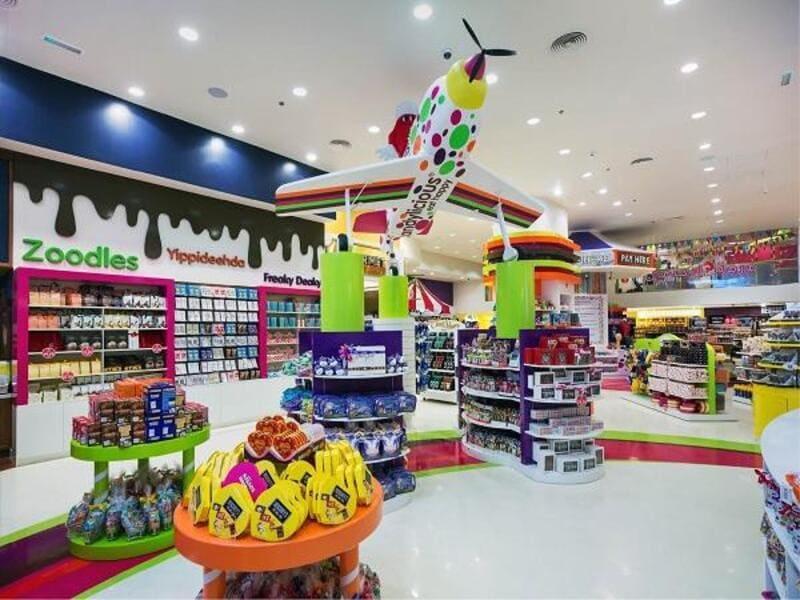 thiết kế cửa hàng đồ chơi trẻ em ấn tượng
