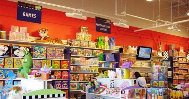 thiết kế cửa hàng đồ chơi trẻ em đẹp