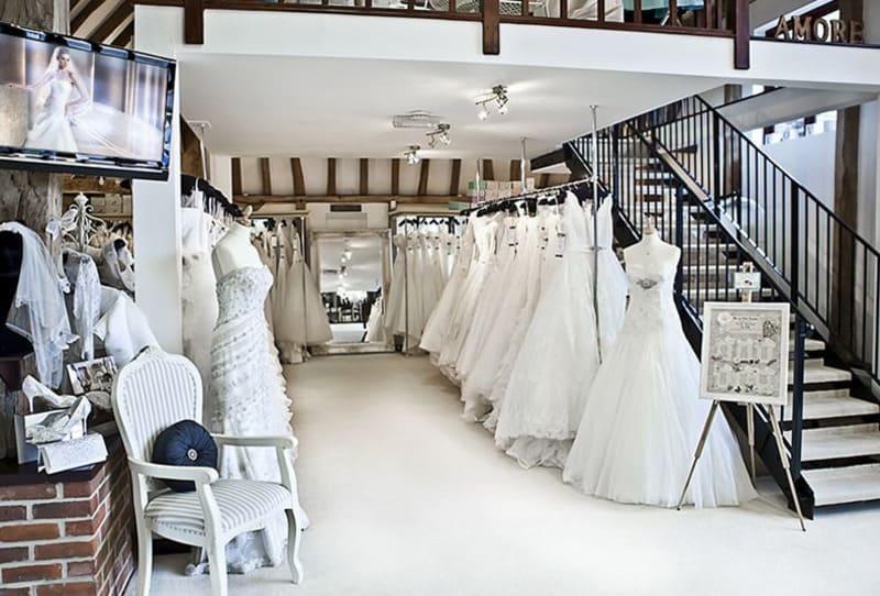 thiết kế nội thất showroom áo cưới đẹp
