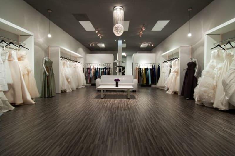 thiết kế nội thất showroom áo cưới