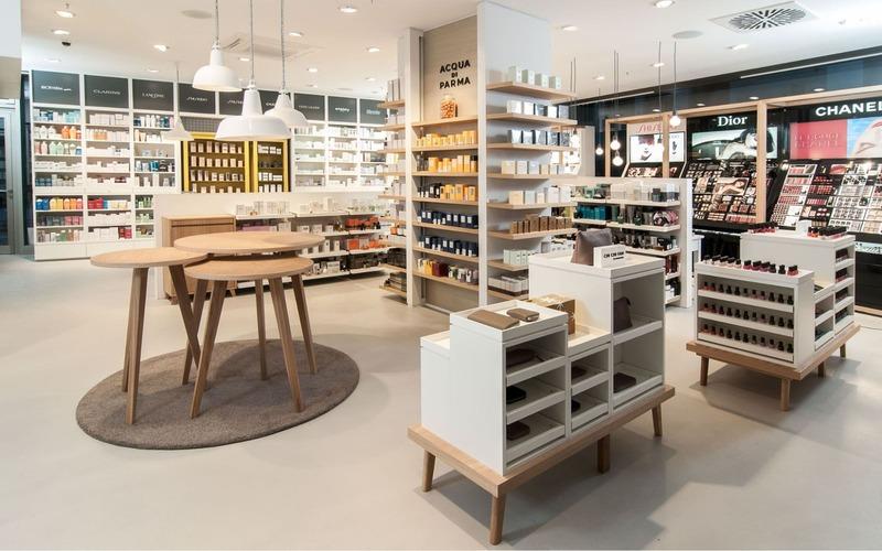 thiết kế nội thất showroom mỹ phẩm - Crystal Design TPL