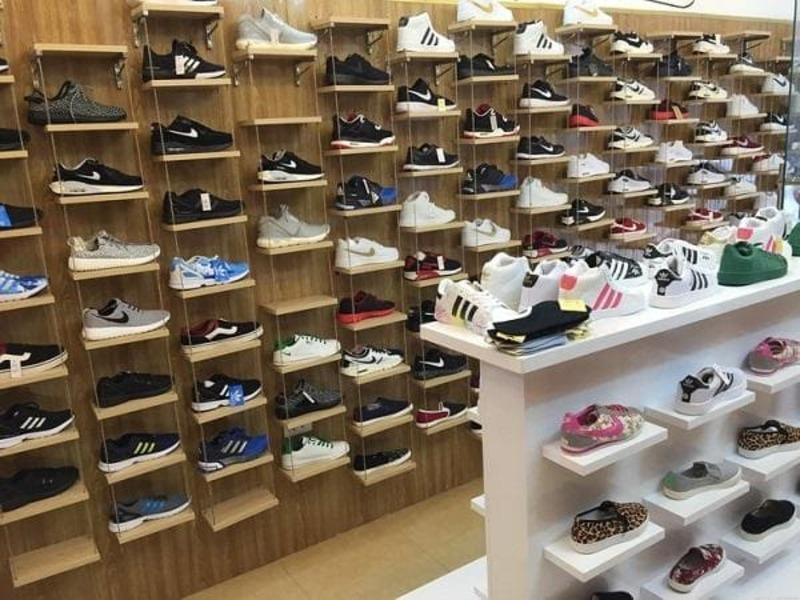 thiết kế shop giày dép nhỏ - Crystal Design TPL