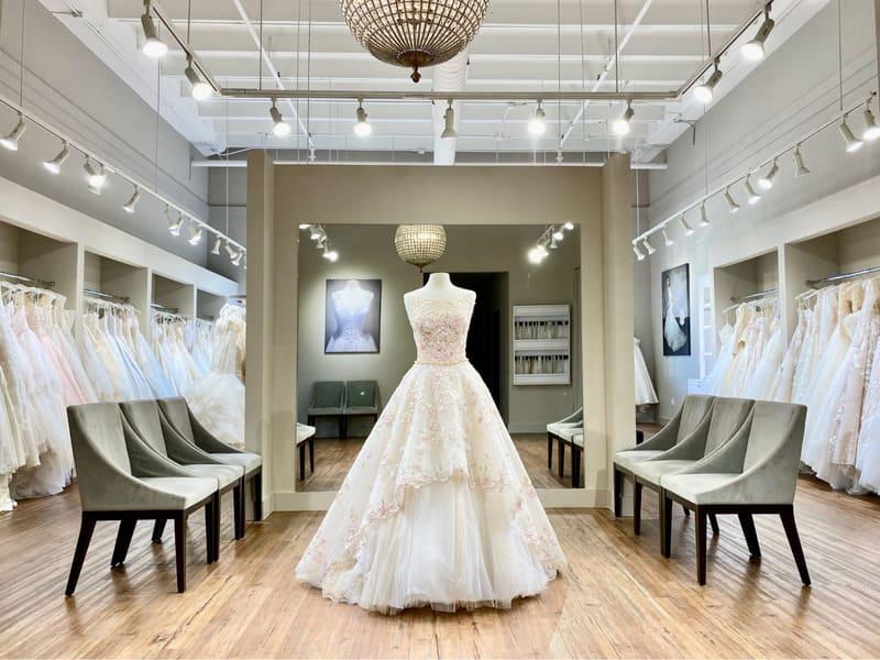 thiết kế showroom áo cưới ấn tượng