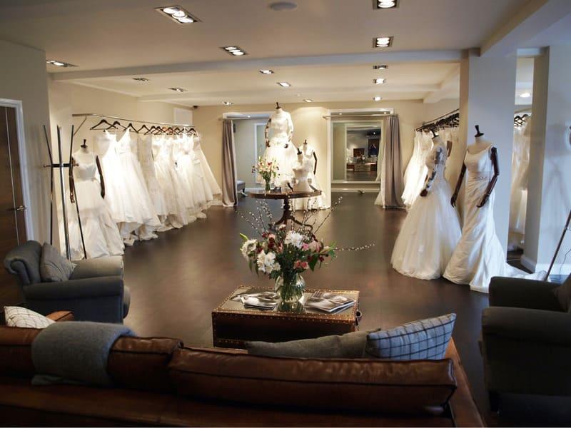 thiết kế showroom áo cưới sang trọng