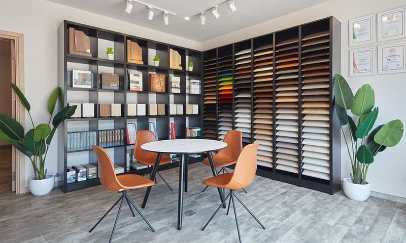 thiết kế showroom trưng bày gạch ốp lát đẹp - Crystal Design TPL
