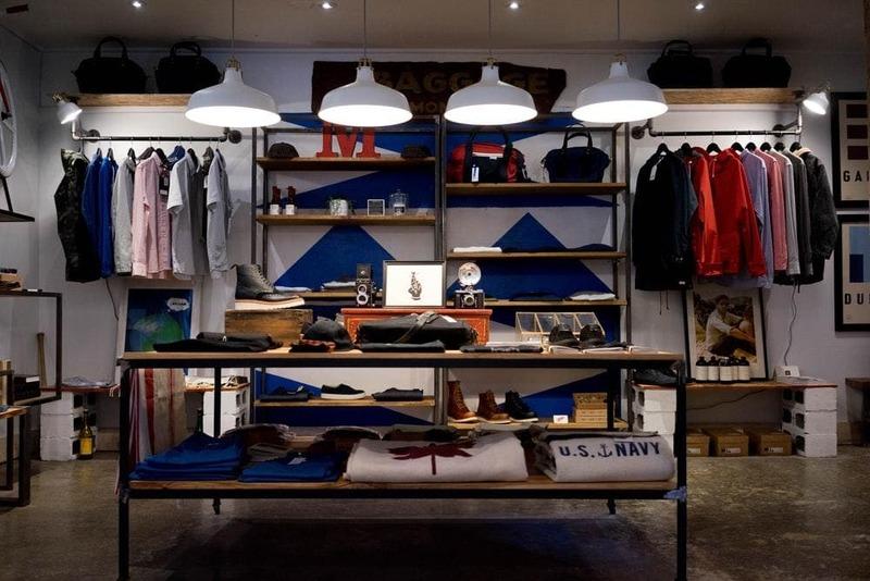 trang trí shop quần áo theo phong cách vintage - Crystal Design TPL