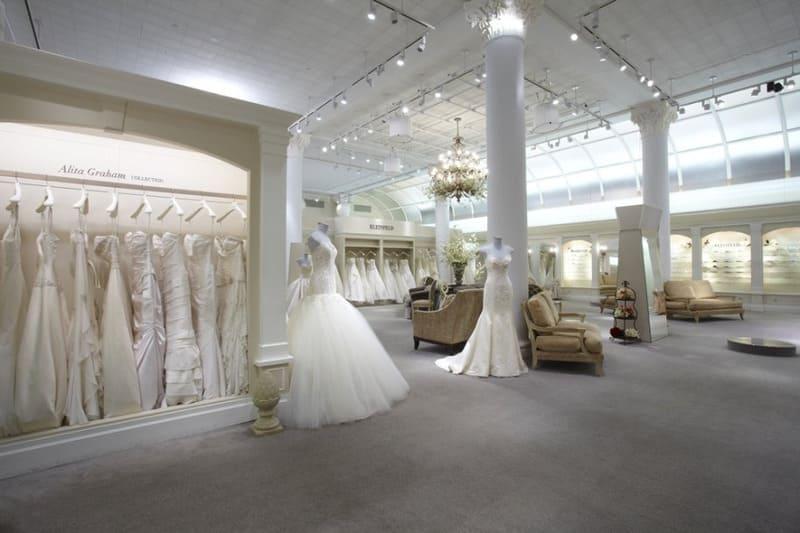 cách trang trí tiệm áo cưới đẹp