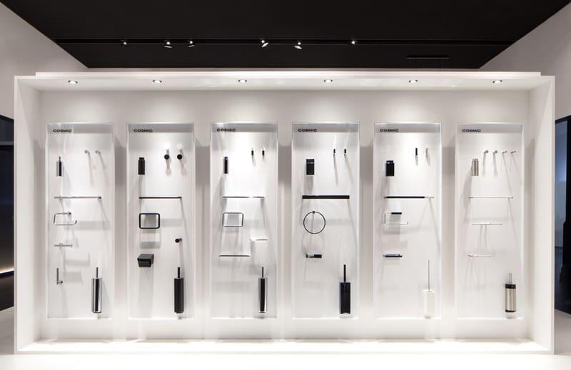 cách trưng bày cửa hàng thiết bị vệ sinh