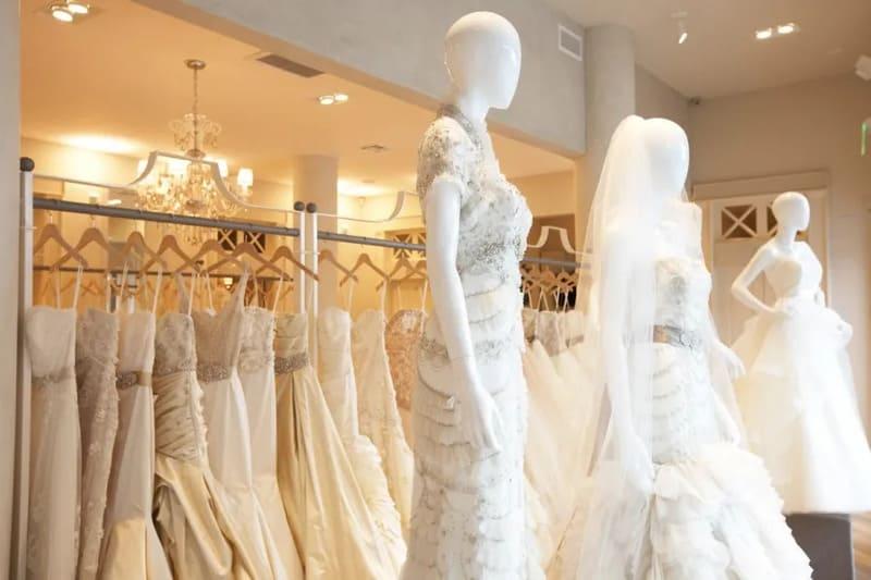 cách trưng bày tiệm áo cưới