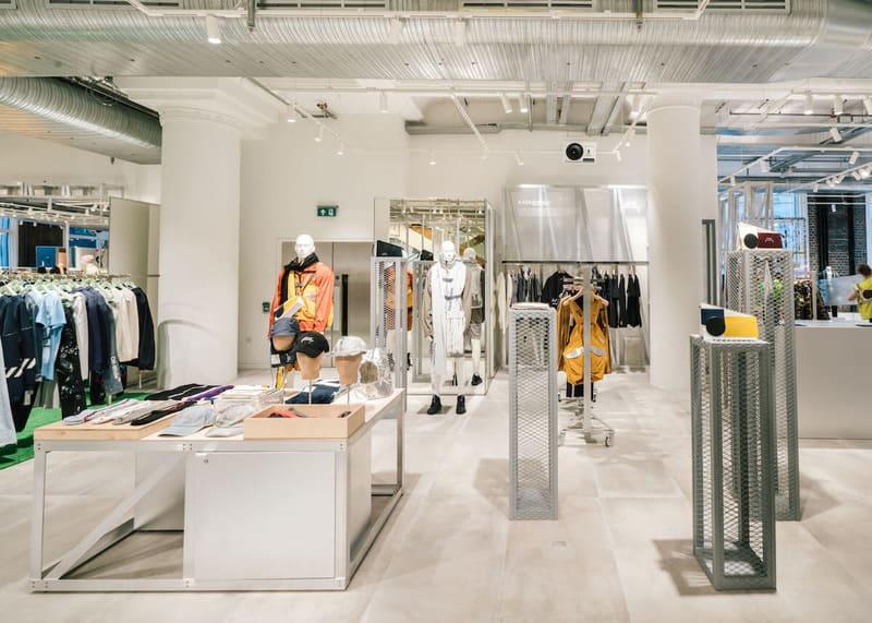 thiết kế shop quần áo nam đơn giản